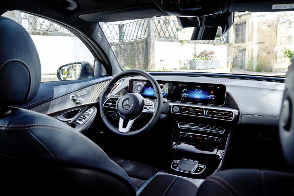 Mercedes-Benz EQC interier prvá jazda autotest.sk