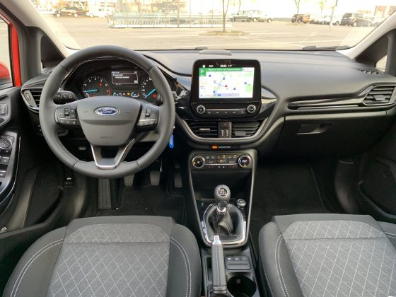Ford Fiesta Active 1.0 Ecoboost interier autotest.sk