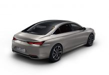 Nový luxusný sedan DS 9 -prvé fotografie, ktoré unikli ešte pred oficiálnou premiérou.