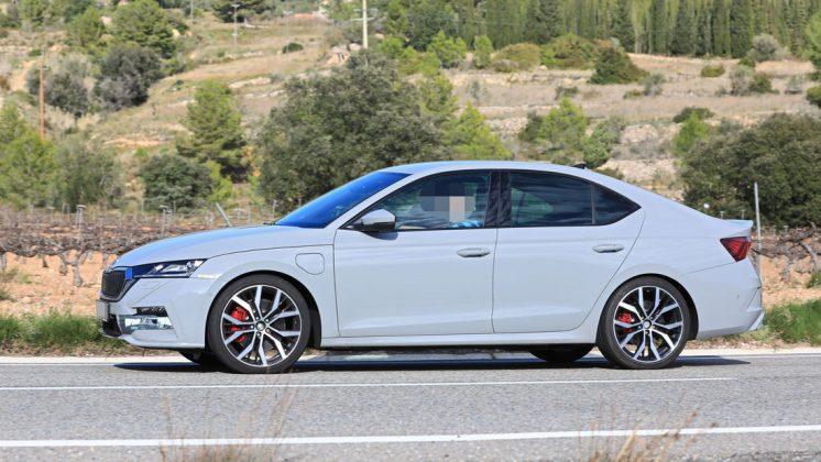 Nová Škoda Octavia RS iV-bude po prvýkrát vybavené plug-in hybridným pohonom.