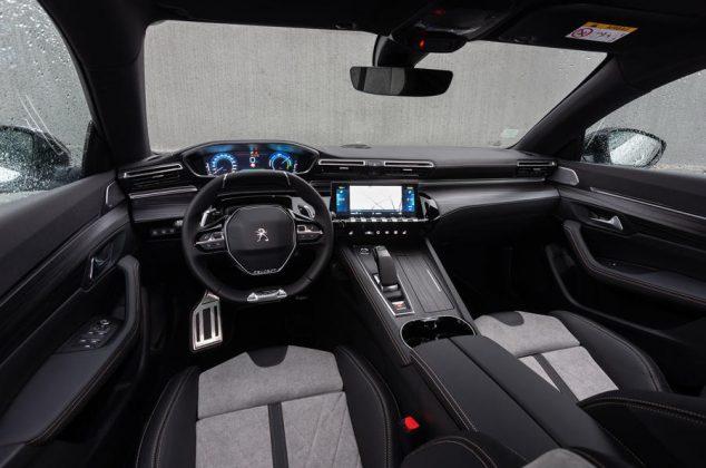 Peugeot 508 Hybrid -interiér