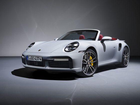 Porsche 911 Turbo 911 Turbo S Cabriolet má stanovenú cenu pre nemecký trh 229 962 €.