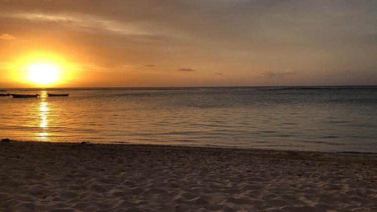 Flic En Flac Beach západ slnka