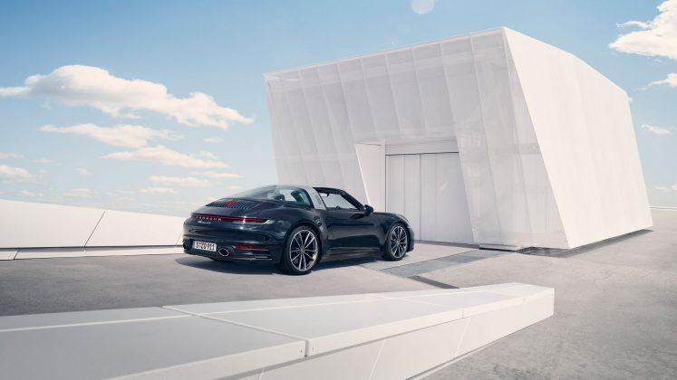 Nové Porsche 911 Targa 4S prichádza s výkonom 450 koní