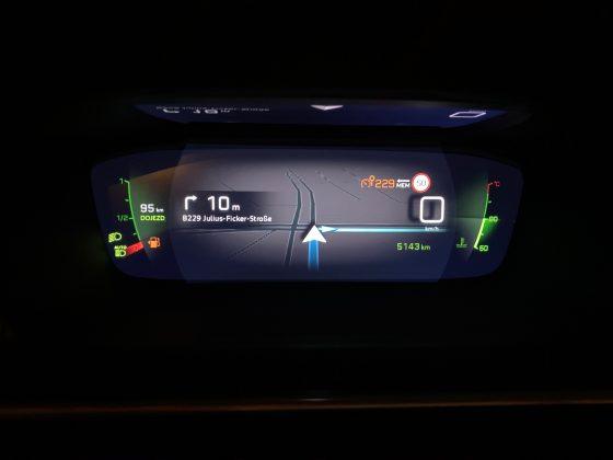 Nový Peugeot 208 -navigácia na digitálnom štíte