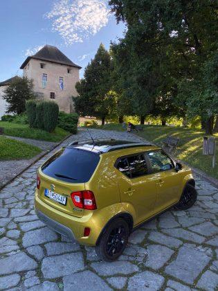 Suzuki Ignis Hybrid v zlatej metalíze
