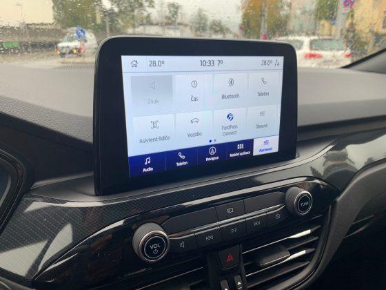 Nový Ford Kuga ST-Line-dotykový displej
