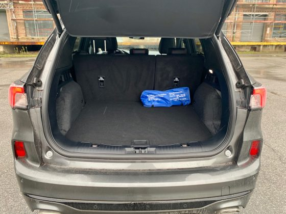Nový Ford Kuga ST-Line-kufor