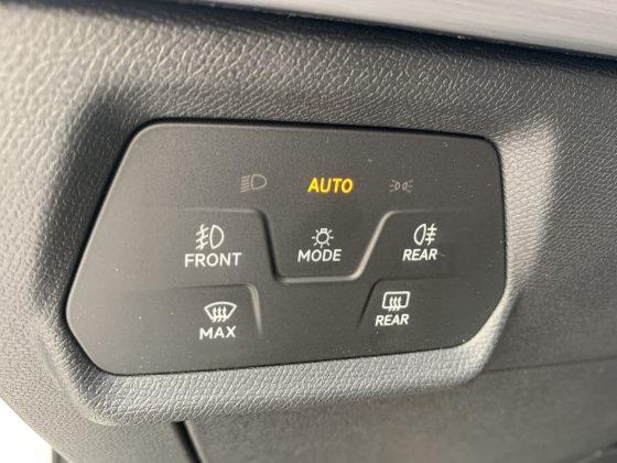 Nový SEAT Leon-ovládanie svetiel