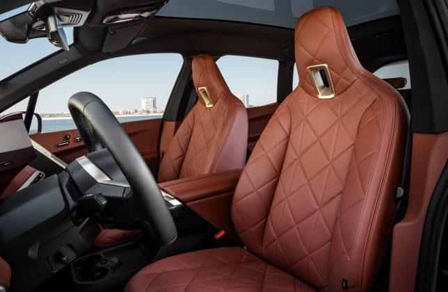 BMW iX-predné športové sedadlá