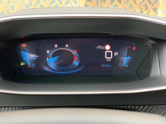 Peugeot 2008 GT i-Cockpit s 3D prístrojovým štítom