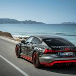 Audi RS e-tron GT (2021):jazdy na Rhodose najvýkonnejší elektromobil