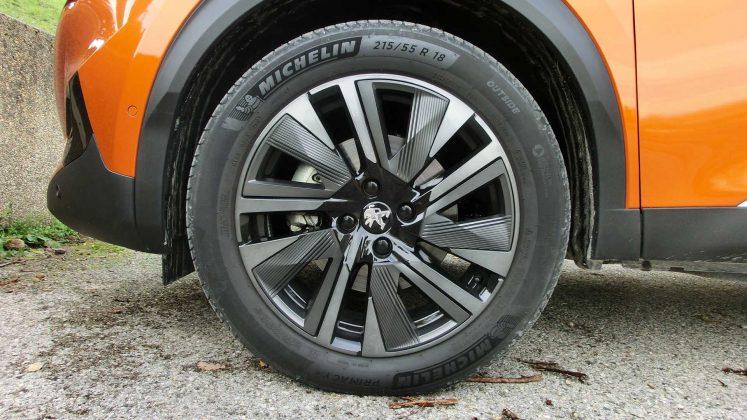 "Peugeot 2008 GT -18"" zliat. disky kolies"