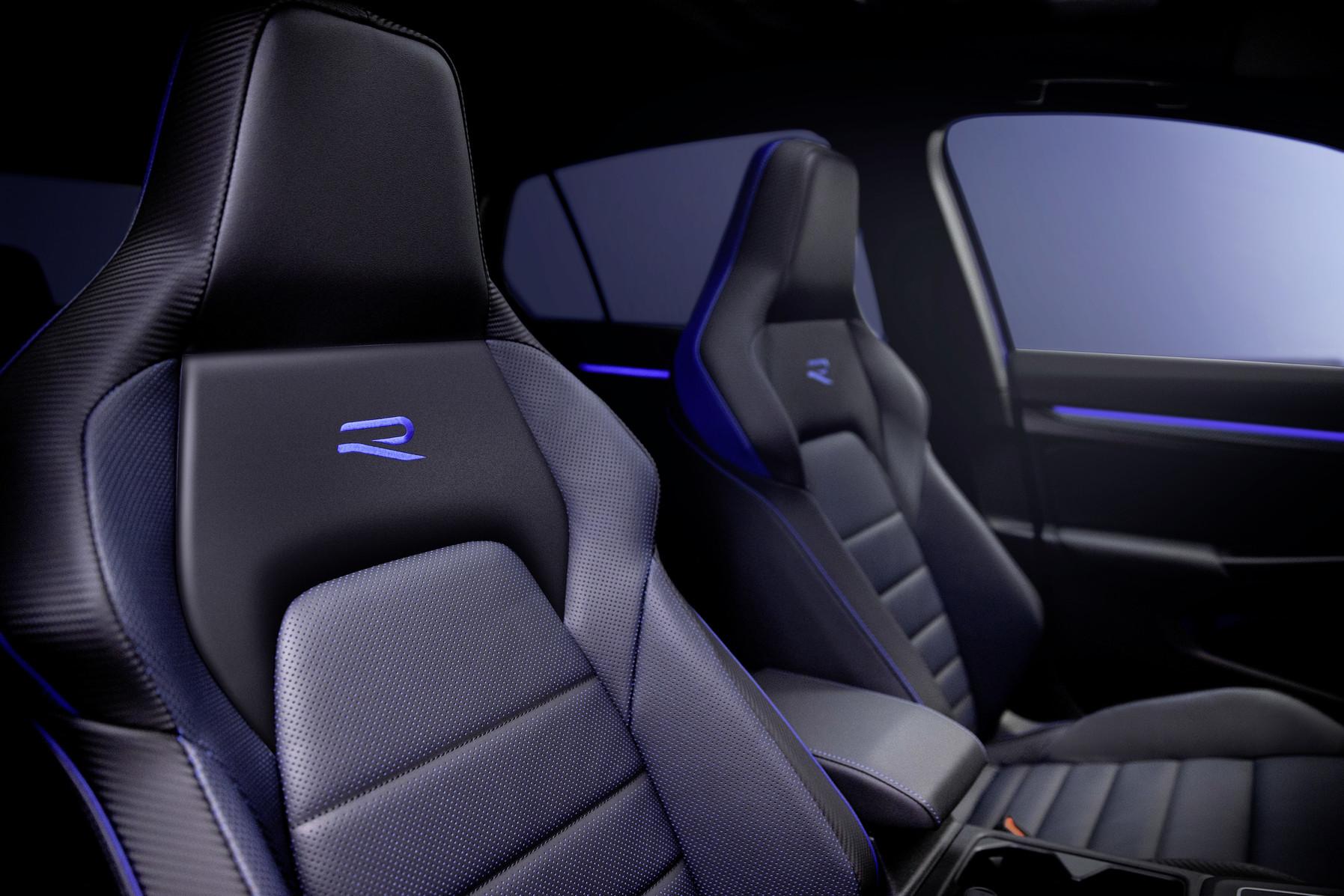 Nový Volkswagen Golf R-predné športové sedadlá
