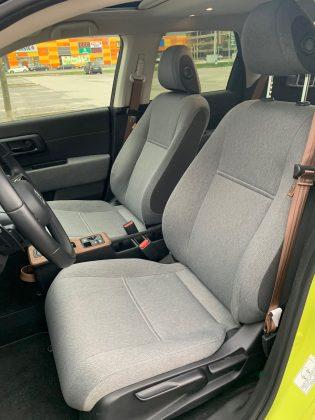 Honda e - predné sedadlá