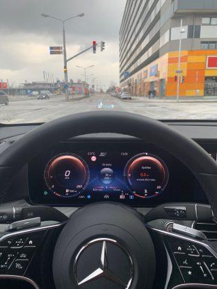2021-Mercedes-Benz Trieda E 220d 4Matic (6)