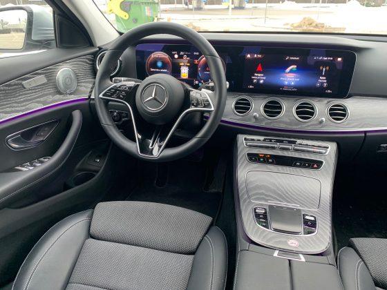 2021-Mercedes-Benz Trieda E 220d 4Matic (prístrojový panel )