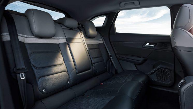 2021-citroen-c5-x zadné sedadlá
