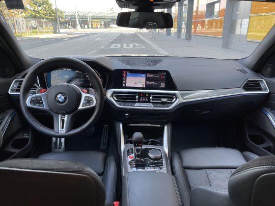 BMW M3 Competition 2021- interier(1)